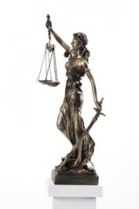 Rechtsschutzversicherung direkt in Anspruch nehmen